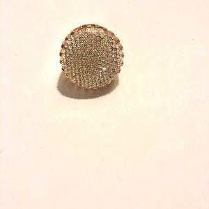 Jewelry - Dazzling costume ring